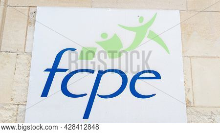 Bordeaux , Aquitaine France - 07 25 2021 : Fcpe Logo Sign And French Text Brand Of Federation Des Co