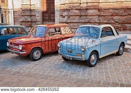 Vintage Cars Nsu Prinz 4l (1972) And Autobianchi Bianchina Trasformabile (car Based On Fiat 500 - 19