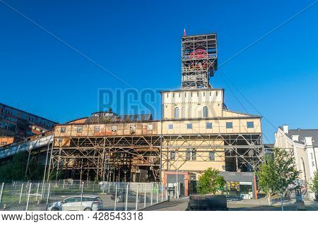 Walbrzych, Poland - June 3, 2021: Shaft Of Former Mine In The Town Of Walbrzych. Now Museum Of Indus