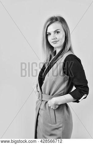 Pretty Woman Wear Beige Classy Vest, Comfy Outfit Concept