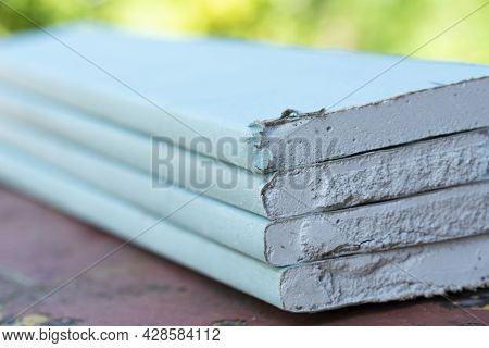 Professional Drywall Gypsum Board Sheet. Nature Gypsum Cement Material For Ceiling And Walls. Modern