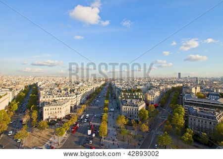 skyline of Paris from place de l'�toile, France