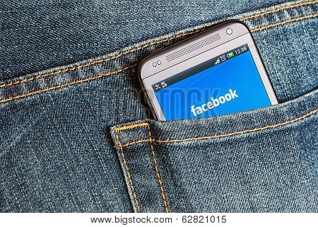 Mobile Phone Htc And Entrance To Facebook