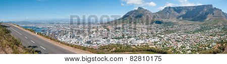 Panorama Of Table Mountain And The City Centre In Cape Town, South Africa