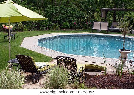luxuriöse im Boden-pool