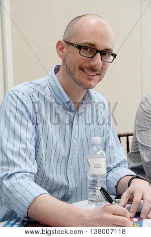 Brandon Vietti signs autographs at the