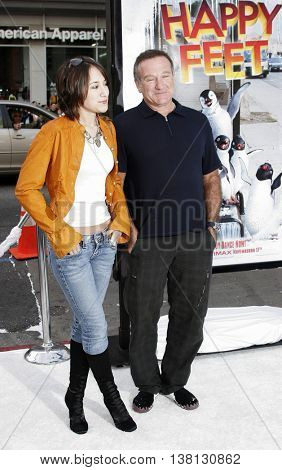 Robin Williams and Zelda Williams at the World premiere of 'Happy Feet' held at the Grauman's Chinese Theatre in Hollywood, USA on November 12, 2006.