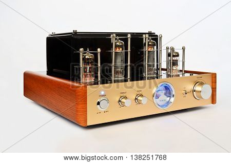 Retro Hi Fi Stereo Vacuum Tube amplifier