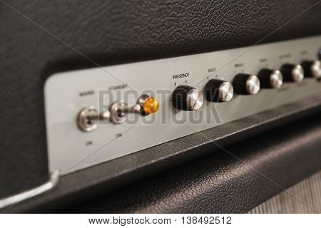 Amplifier knobs and toggle switches