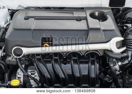 Wrench on the motor vehicle internal combustion