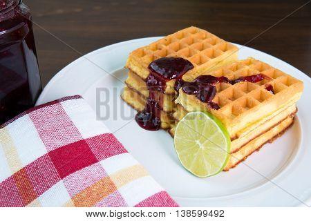 Beakfast - Whole wheat waffles with fruit marmelade