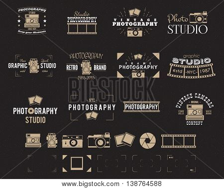 Camera logo. Vintage Photography Badges, Labels, dslr. Hipster design with photographer elements. Retro style for photo studio, photographer, equipment store. Gadget Signs. Vector old photo icons set.