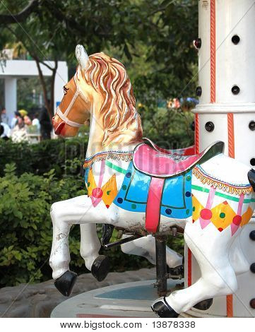 Carousal caballo