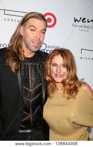 LOS ANGELES - JUL 16:  Chaz Dean, sister at the HollyRod Presents 18th Annual DesignCare at the Sugar Ray Leonard's Estate on July 16, 2016 in Pacific Palisades, CA