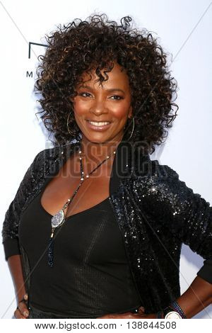 LOS ANGELES - JUL 16:  Vanessa Bell Calloway at the HollyRod Presents 18th Annual DesignCare at the Sugar Ray Leonard's Estate on July 16, 2016 in Pacific Palisades, CA