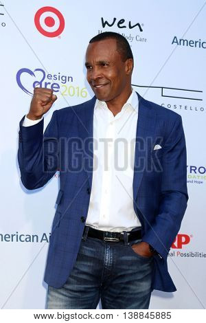 LOS ANGELES - JUL 16:  Sugar Ray Leonard at the HollyRod Presents 18th Annual DesignCare at the Sugar Ray Leonard's Estate on July 16, 2016 in Pacific Palisades, CA