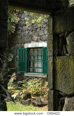 Old Azores Windows