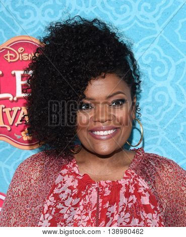 """LOS ANGELES - JUL 16:  Yvette Nicole Brown arrives to the Disney Channel's """"Elena of Avalor"""" Los Angeles Premiere on July 16, 2016 in Beverly Hills, CA"""