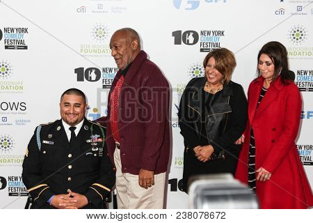 NEW YORK, NY - NOVEMBER 06, 2013:  Sergeant Shane Parsons, Bill Cosby, Cynthia Parsons, and Caroline Hirsch attend the 7th annual 'Stand Up for Heroes' benefit at The Theatre at Madison Square Garden.