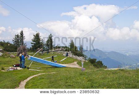 Preparing For Hang-gliding
