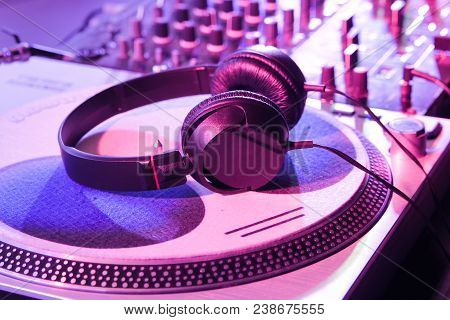 Headphones For Professional Disc Jockey. Mix Music And Listen To New Tracks In High Quality. Dj Head