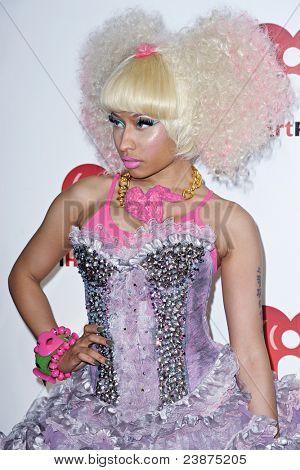 LAS VEGAS - 24 SEPTEMBER: Nicki Minaj visas på röda mattan vid 2011 iHeartRadio musik Festiv