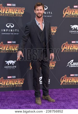 LOS ANGELES - APR 23:  Chris Hemsworth arrives to the Marvel Studios 'Avengers: Infinity War' World Premiere  on April 23, 2018 in Hollywood, CA