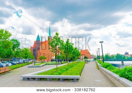Sts. Peter And Paul Church, Collegiate Church Of Holy Cross And St. Bartholomew, Alley With Grass La