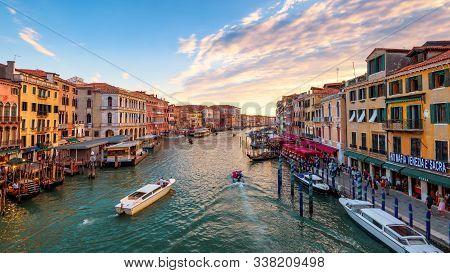 Venice, Italy - May 17, 2017: Scenery Of Venice At Sunset. Beautiful Cityscape Of Venice In Sunny Ev