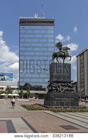 Nis, Serbia - June 15, 2019:  A Monument To The Liberators Of Nis The Center Of City Of Nis, Serbia