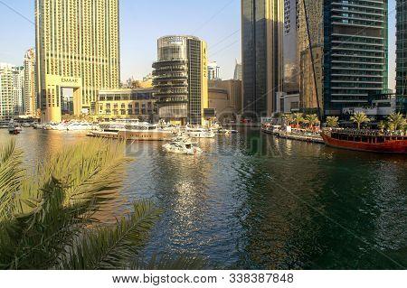 Dubai / Uae - November 7, 2019: Dubai Marina Luxury Touristic District With Marina Mall And Lake Wit