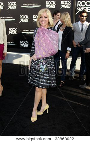 LOS ANGELES - JUN 8:  Jennifer Aspen arriving at