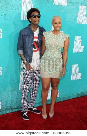 LOS ANGELES - JUN 3:  Wiz Khalifa; Amber Rose arriving at the 2012 MTV Movie Awards at Gibson Ampitheater on June 3, 2012 in Los Angeles, CA