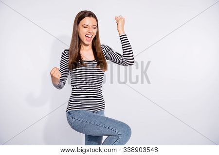 Portrait Of Her She Nice Attractive Charming Cheerful Cheery Ecstatic Straight-haired Girl Cool Lott