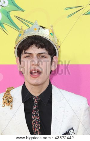LOS ANGELES - MAR 23:  Matt Bennett arrives at Nickelodeon's 26th Annual Kids' Choice Awards at the USC Galen Center on March 23, 2013 in Los Angeles, CA