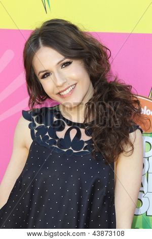 LOS ANGELES - MAR 23:  Erin Sanders arrives at Nickelodeon's 26th Annual Kids' Choice Awards at the USC Galen Center on March 23, 2013 in Los Angeles, CA