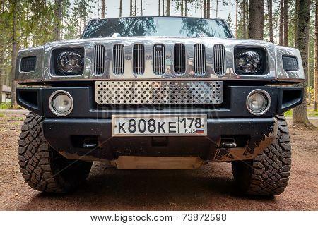 Black Hummer H2. Front View