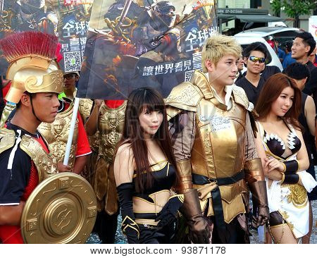 Actors Promote Clash Of Kings Game