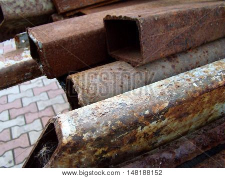 heap of scrap metal covered with rustand steel debris.
