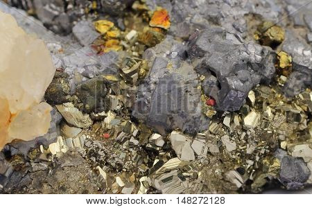 Mineral composite, pyrites, pirhotin, calcite and marmatit
