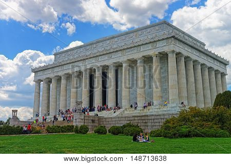 Lincoln Memorial Near National Mall In Washington Dc