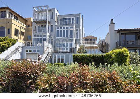 San Francisco California real estate residential modern architecture.