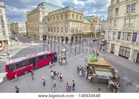 Vienna, Austria - August 14, 2016: Tourist Bus Parked By Albertinaplatz, Busy Street In Vienna Downt