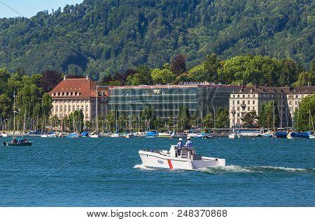 Zurich, Switzerland - June 18, 2017: Lake Zurich, View From The City Of Zurich. Lake Zurich Is A Lak