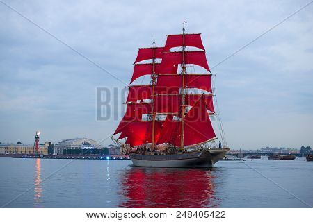 Saint Petersburg, Russia - June 21, 2018: A Sailboat With Scarlet Sails Against The Background Of Th