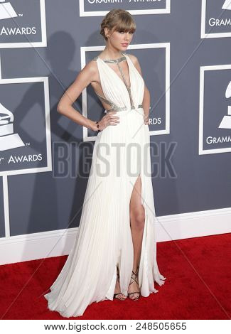 LOS ANGELES - FEB 10:  Taylor Swift arrives to the 2013 Grammy Awards  on February 10, 2013 in Hollywood, CA