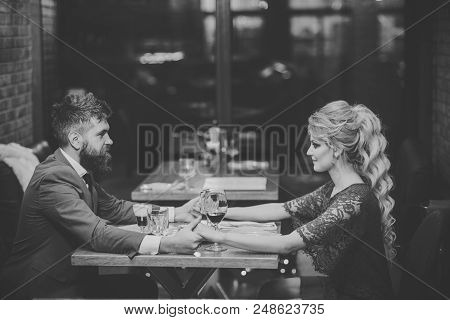 Date At The Restaurant. Couple In Love At The Restaurant. Date Of Family Couple In Romantic Relation