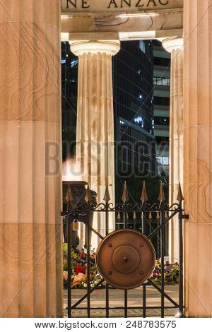 Brisbane, Australia - Saturday 28Th April, 2018: View Of Anzac Square War Memorial In Brisbane City