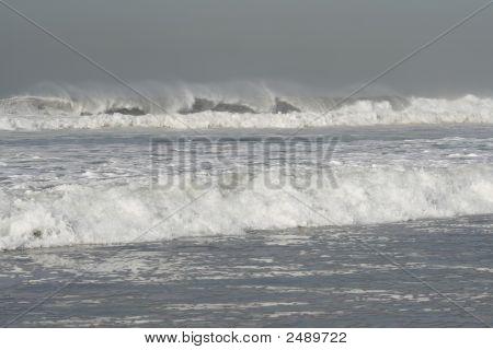 High Waves In A Dangerous Ocean