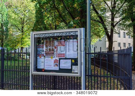 Berlin, Germany- October 5, 2019: Walking On An Autumn Day In The District Charlottenburg, Gierkepla